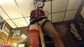 AdalynnX – Harley Quinn Cosplay Fun!!!