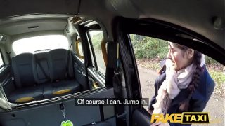 British babe Sahara Knite gives great deepthroat on backseat