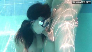 Swimming pool hardcore sex and blowjob for Minnie